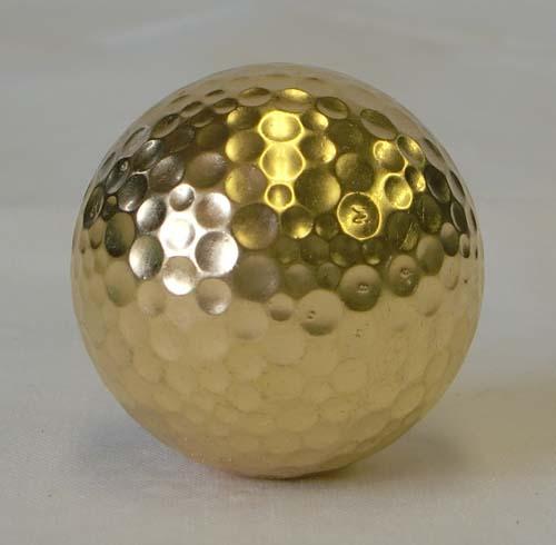 金箔のゴルフボールです