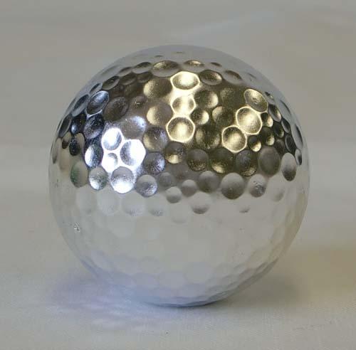 銀箔押しのゴルフボールです