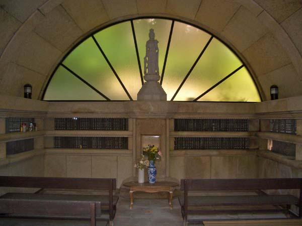 法福寺納骨堂「風の塚」